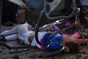 Servis minibüsü devrildi 8 öğrenci yaralı.11986