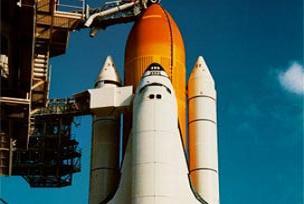 Uzay mekiği Endeavour yakıt alıyor.11094