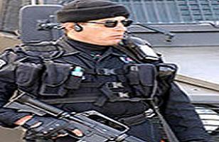 Soyguncular güvenlik görevlisini vurdu!.17142