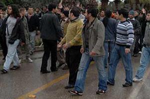 Üniversite önünde facia çıkıyordu.13867