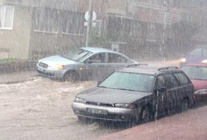 Adana'da şiddetli yağış perişan etti.11000