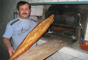 1,5 metrelik ekmeğe yoğun ilgi.12843