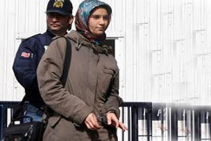 MHP'li eski vekilin kızı tahliye edildi.13035