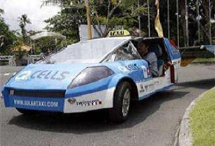 Benzinsiz araçla dünya turu attı.16482