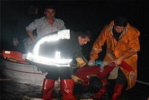 45 kaçak göçmen boğularak öldü.10743