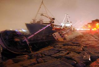 Üsküdar'da 3 gemi karaya oturdu!.12045