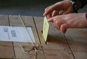 Bazı bölgelerde oylar yeniden sayılacak.9366