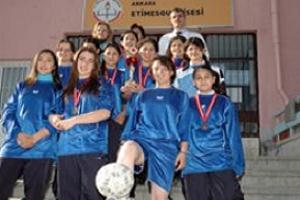 Kız öğrencisiz takım men olacak.13513