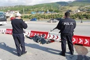 Şehit polislerin cenazesi Adli Tıp'ta.15611