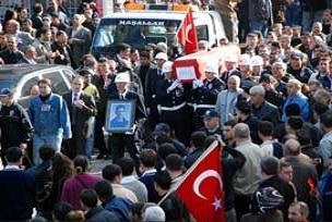 Şehit polislerin cenazesi uğurlanıyor.20671