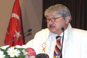 CHP yasak�� rekt�r� de �d�llendiriyor.10031