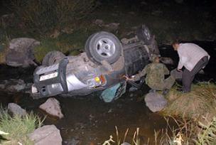 Sarıkamış'ta trafik kazası:1 ölü 3 yaralı.13376
