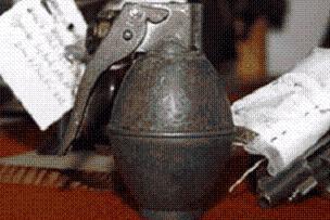 Çanakkale'de 13 el bombası bulundu.16464