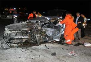 Dönüş yolunda feci kaza: 2 ölü, 7 yaralı.14058