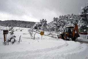 Kara kış esareti, 735 köy yolu kapalı.13194
