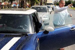 Baykal'ın otomobiline park cezası.16152