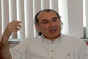 Tarhan: CHP komik duruma düştü.8750