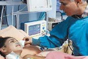 Fatma'nın yaşamı kalp nakline bağlı.13745