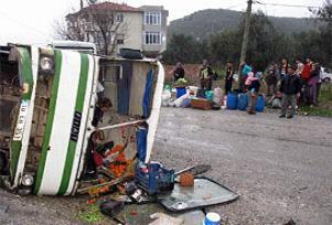 Minibüs şarampole uçtu: 1 ölü 7 yaralı.17123