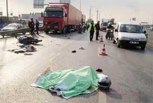 Ümraniye'de feci kaza: 2 ölü, 2 yaralı.12667