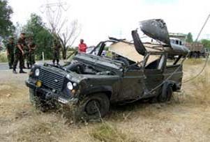 Askeri araç devrildi: 5 asker yaralı.17298