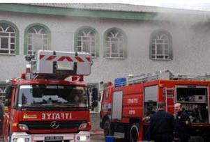 Cami yangınlarına polis koruması.13215