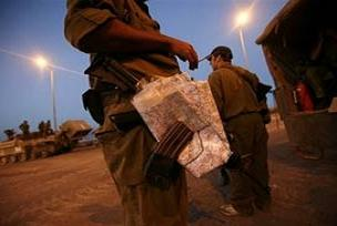 İsrail, Lübnanlı çiftçileri teslim etti.11030