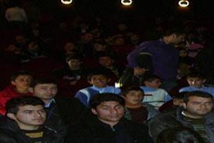 Van'da çocukların tiyatro heyecanı.9067