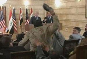 Bush'a ayakkabı fırlatmanın cezası.11182