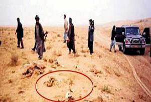 200 kişi diri diri toprağa gömülmüş.14235