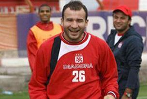 Sivasl� Mehmet Y�ld�z Galatasaray'da.12539