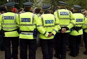 Filistinliler ile İngiliz polisi karşı karşıya.16640