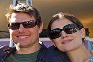 Tom Cruise ve ailesine FBI koruması.11429