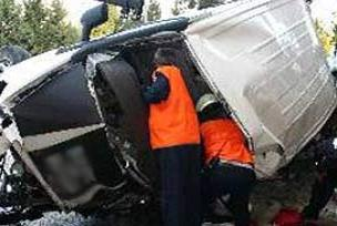 Belediye minibüsü devrildi: 1 ölü.14795