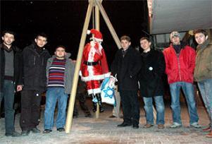 Noel Baba'yı darağacına astılar.14372