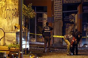 Beşiktaş'ta silahlı çatışma: 3 yaralı.17321