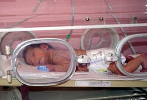 Yeni y�l�n ilk bebe�i Ece bebek oldu.11917