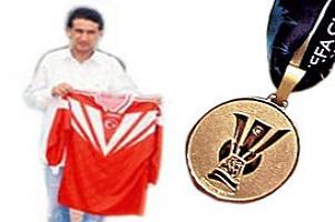 Satılık UEFA madalyası.11199