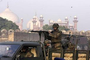 Pakistan'da intihar saldırısı: 7 ölü.11985