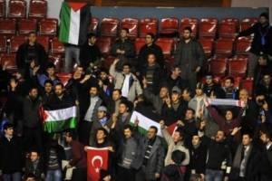 İsrail'e tepki maçı erteletti.14509