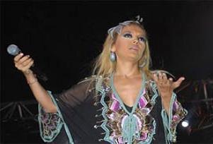 Şarkıcı Demet Akalın'a 'gaf' davası.10446