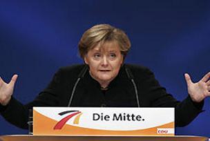 Merkel, 100 milyar avroluk paketin ardında.8687