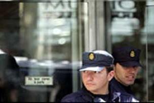 Kötü muamele yapan polise hapis cezası.9924