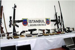AKP'li eski başkana cephanelik suçlaması.12586