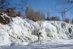 Muradiye şelalesi böyle dondu!.15965