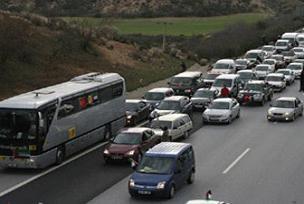 Katliamı protesto konvoyu Şam'da.12875