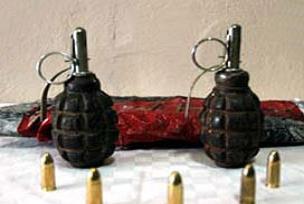Bomba ve mermiler gizli depo tuzağı.11266