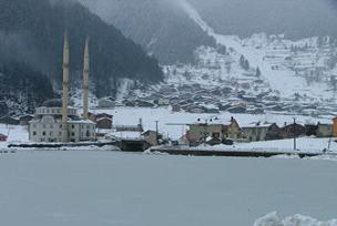Uzungöl'de kış başka bir güzel oluyor.10243
