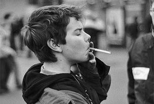 Sigaraya erken başlayanın kanser riski.12097