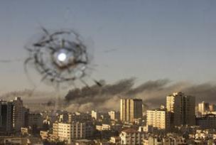 İsrail, basın ve BM binalarını vurdu.9858